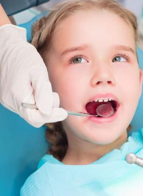 Odontopediatria - Será que é cárie - Cynthia Pedreira1
