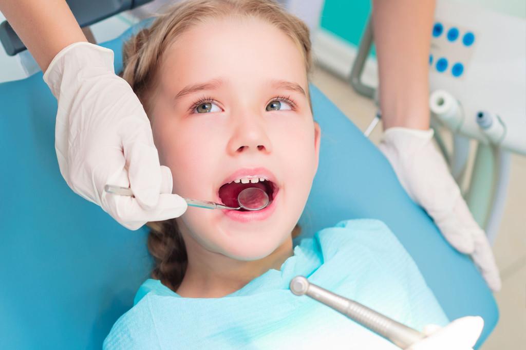 Odontopediatria - Será que é cárie - Cynthia Pedreira2