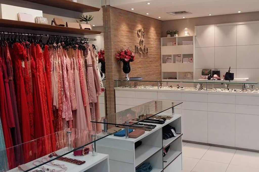 Mundo Fashion - O fim do ano já está ai - Jackeline Rodrigues Chá de Moda Itajubá 2